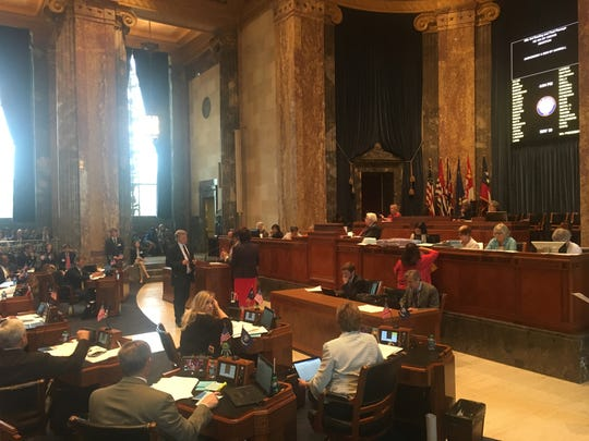 e6ff334c-9456-48d2-92da-fbaebcb9be46-30BUDGET__The_Louisiana_Senate_passed_on_Thursday_in_a_35-2_vote_a_30_billion_state_operating_budget_for_next_year